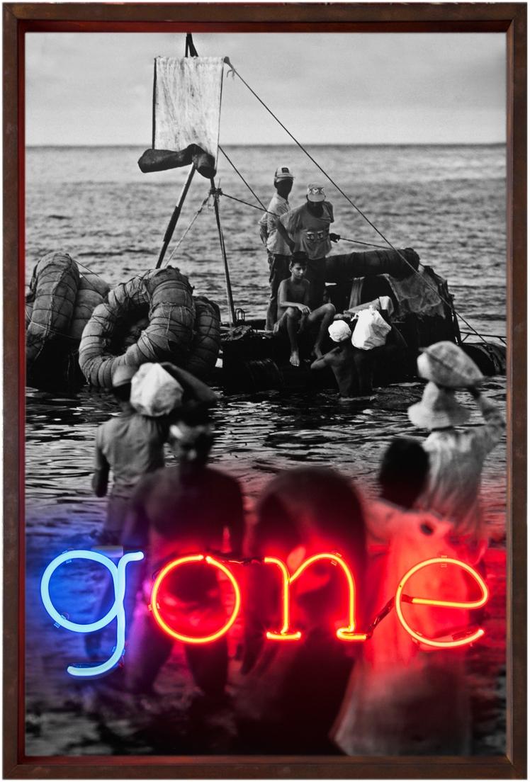 Gone (2012) 80 x 120 cm, caja de luz, impresión digital y neón
